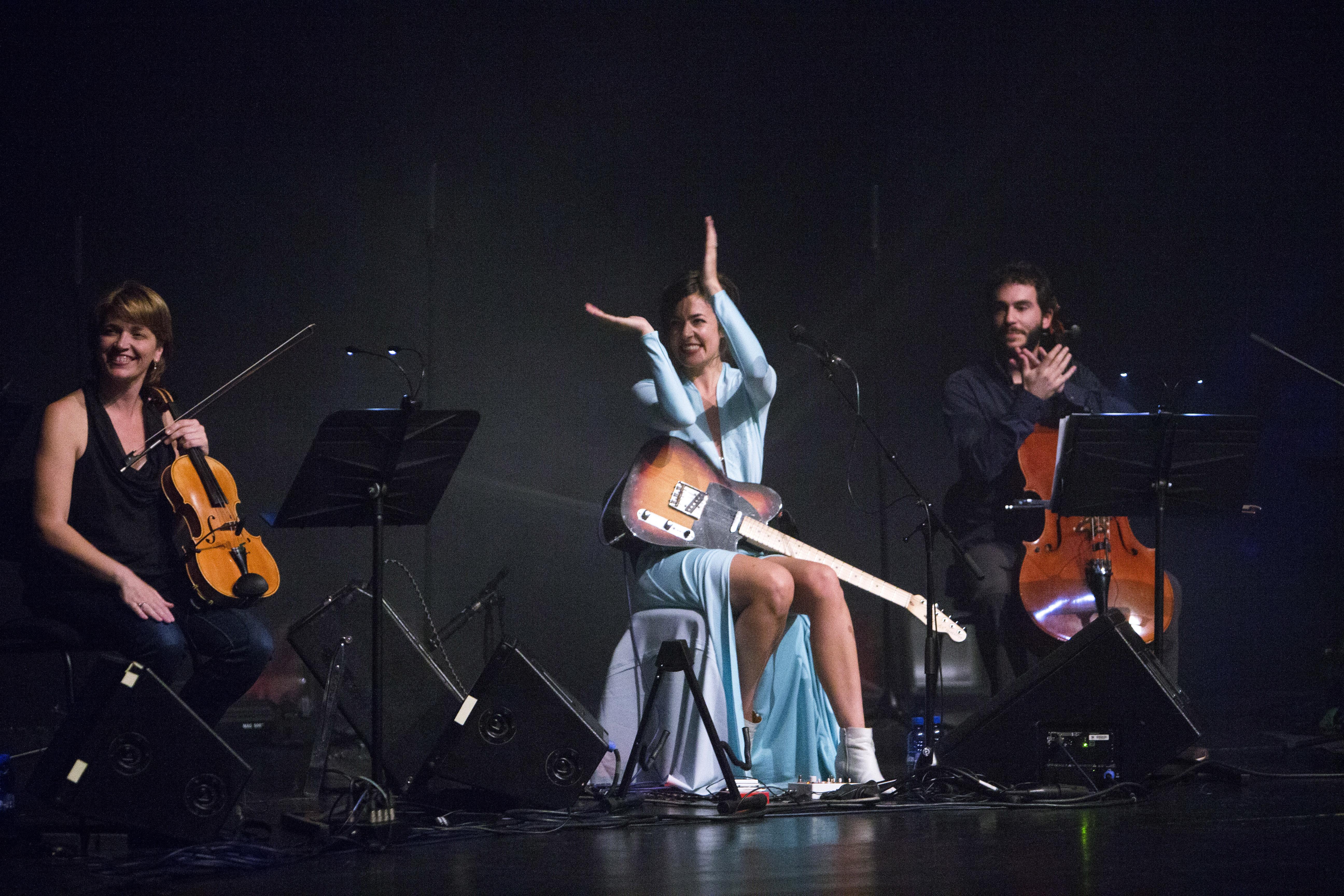 Maika Makosvki & Brossa Quartet