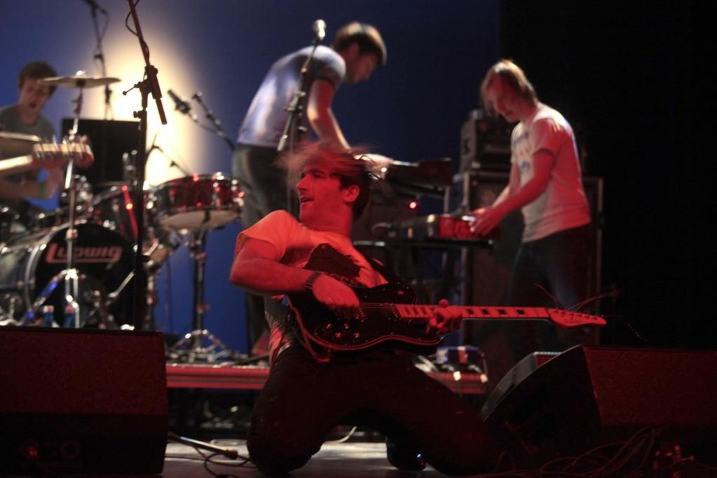 ddmmyyyy sorprendieron sobre el escenario y en el puesto de venta: ¡vendían casetes de su disco! Carme Ripollès/ACF