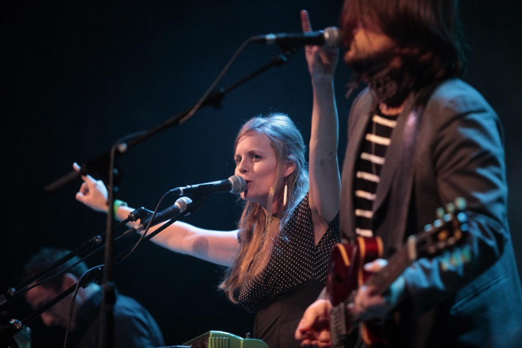 Lindsay Anderson y Joseph Costa de L'Altra en su brillante concierto. Carme Ripollès/ACF
